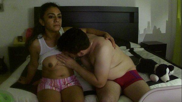 Compartilhando a esposa gostosa na webcam