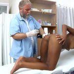 Imagem Médico taradão comendo a mulata