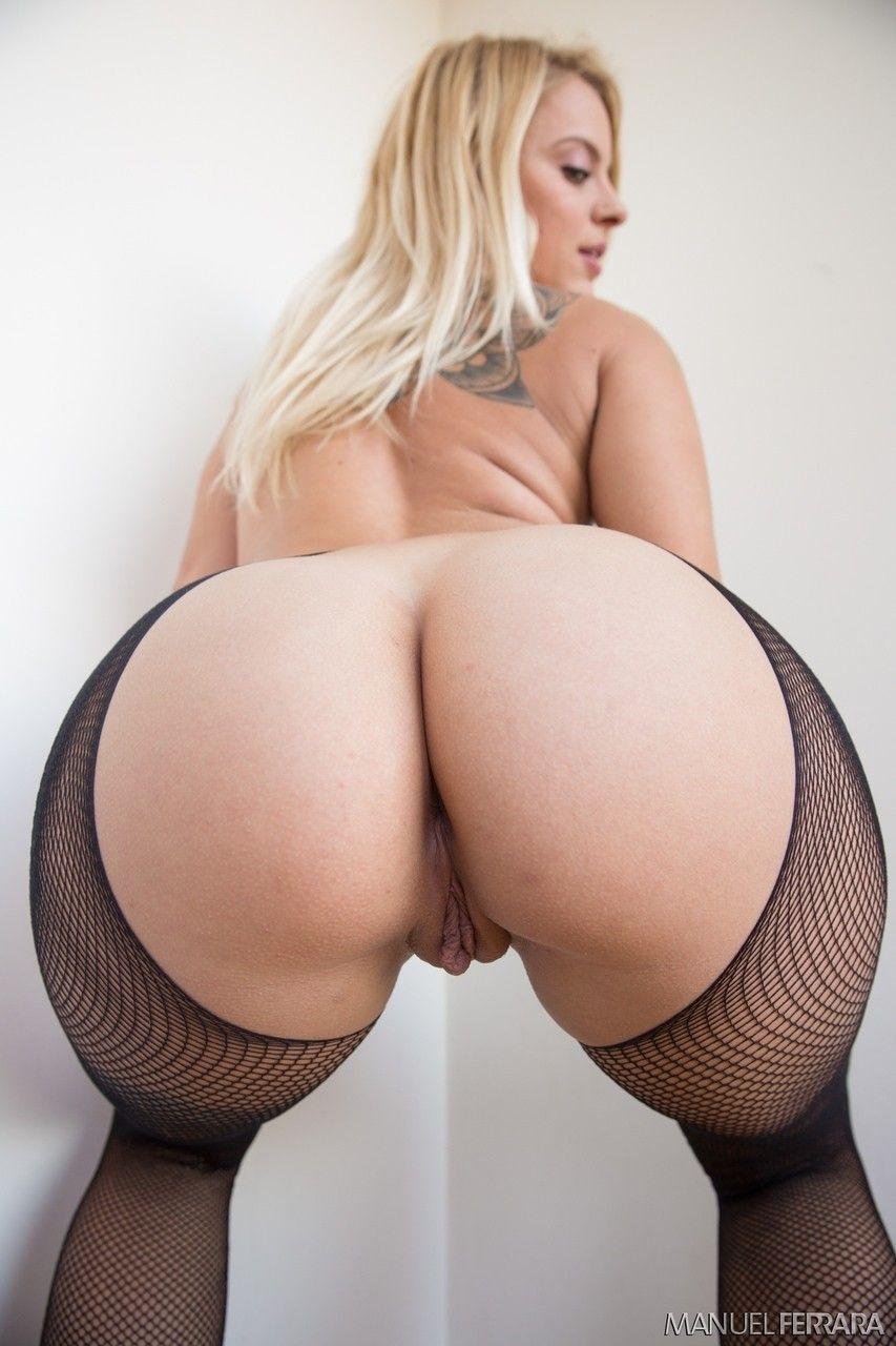 Imagens de uma loira que tem a bundona grande