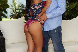 Gina Valentina tomando gozada na cara depois do sexo em fotos porno