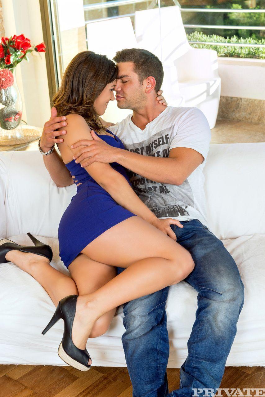 Julia Roca dando a buceta e o cu em fotos de sexo